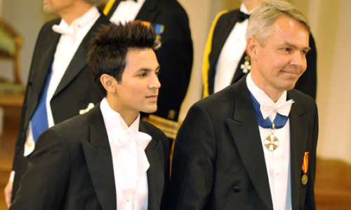 "Pekka Haavisto with husband Antonio<br /><br /><br />Finland may get its first openly gay president.<br /><br /><br />I have often ""bragged"" about how Sweden has had an openly gay member of parliment for decades.<br /><br /><br />I guess we are just not as hysterical  up here.</p><br /><br /><p>Politics should be about more than one issue but it still drives a point home.<br /><br /><br />The US still hasnt had even one single person, woman…or for that matter gay president.<br /><br /><br />Sure, president Obama plays an important symbolic role but i´m still waiting for the day when it is just as likely for a president to be a crossdresser named Goldman as a married protestant or Catholic value conservative white guy with an Anglophone name.<br /><br /><br />When politics actually ARE about issues…..ONLY issues."