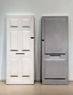 Rachel Whiteread 's Double Doors II (A+B)