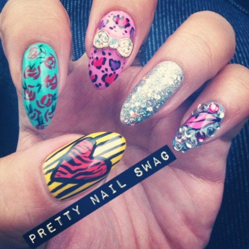 V-day mani inspiration from @nailsbyregina (Taken with instagram)