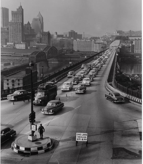 thepittsburghhistoryjournal:  Traffic on Liberty Bridge, Pittsburgh, 1951. Clyde Hare. [University of Pittsburgh Digital Archives]