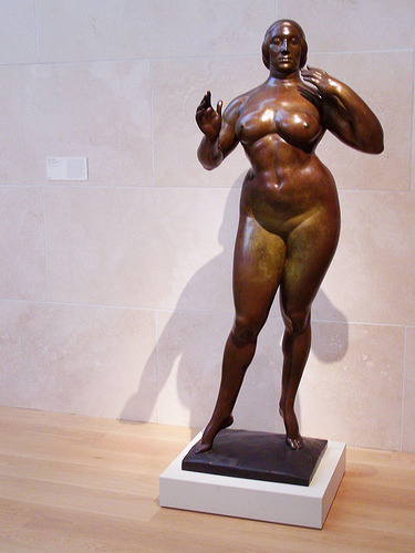 Standing Woman, by Gaston Lachaise  (source Chris Inside)