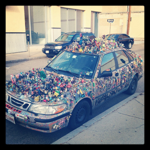 Here's a bad photo of an art car found in Cambridge.  It's something. I haven't seen one of these since I went to Berkeley this one time a few years ago.  Meoww.