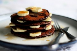 phoods:  (via hot cocoa pancakes valentine's day » The First Mess)