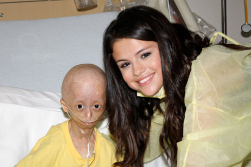 imdylanbarker:  RIP Hana Hwang. omg r.i.p </3 Rest in peace beautiful <3 everyone reblog this; right now.