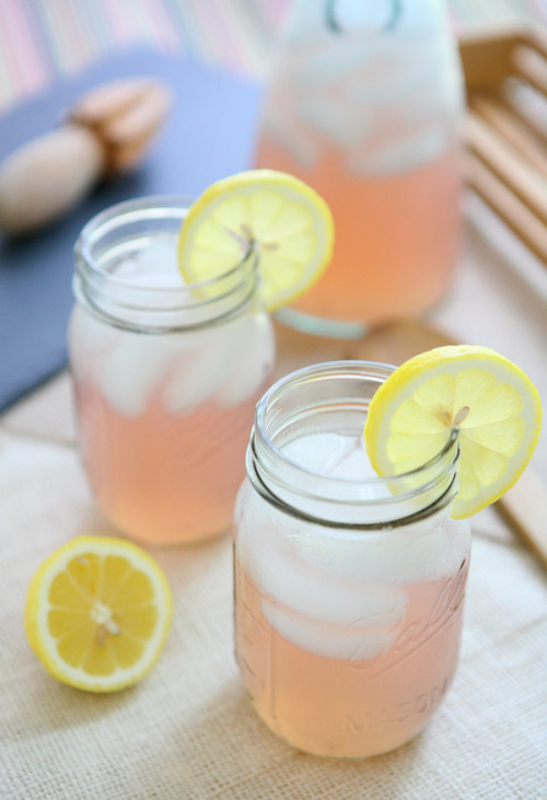 Old Fashioned Pink Lemonade Ingredients 1 cup sugar1 cups water1 cup lemon juice1 cup cranberry juice5 cups water Method 1. Combine 1 cup sugar and 1 cup water in saucepan. Bring to a boil an dstir to dissolve. Let cool. 2. Add sugar water, lemon juice, cranberry juice and water in 2 quart pitcher. Stir to combine and serve over ice.