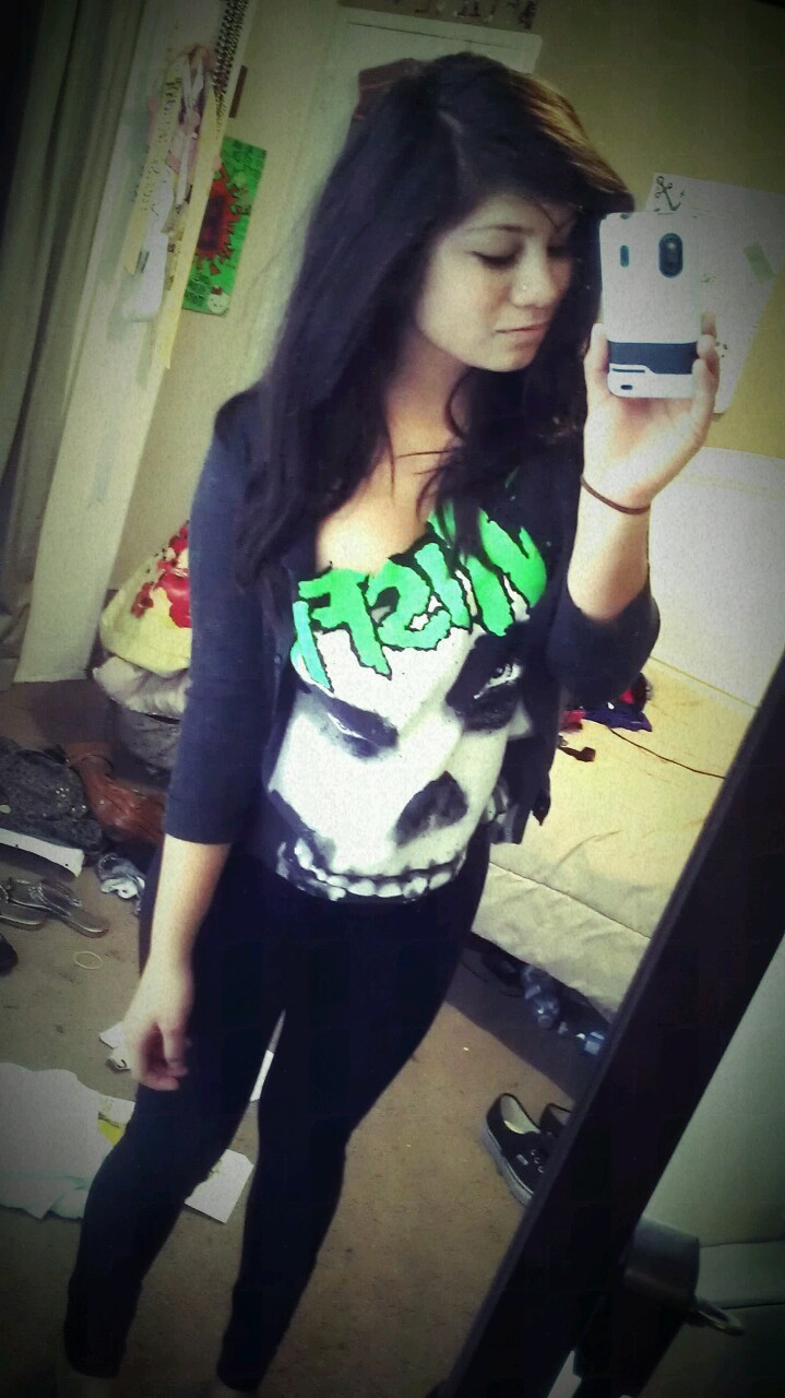 Got my misfits shirt! Just kinda fucked it up when cutting it ._. Oh well