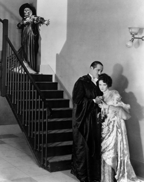 beautyandterrordance:  Mary Philbin, Norman Kerry and Lon Chaney in The Phantom of the Opera (1925), via  universalmonstersblog.