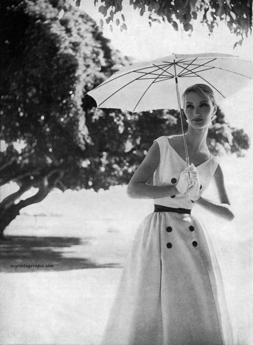 theniftyfifties:  Evelyn Tripp in summer fashion photographed by Lillian Bassman for Harper's Bazaar, May 1954.