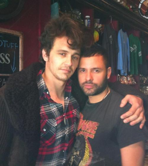 James with a friend / via @JamesFrancoIT