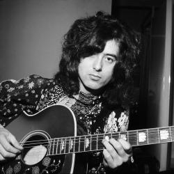Jimmy Page. If he fingered me half as well as he fingers the guitar I'd orgasm is 10 seconds.