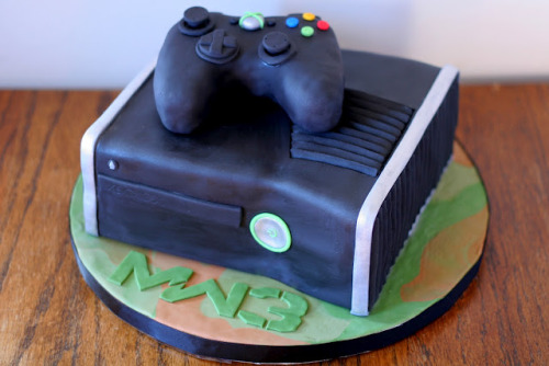 fycod:  stuffbystace:  XBOX Call of Duty Modern Warfare 3 Cake This was my hubs 31st birthday cake.    We always have to reblog cakes. ALWAYS.