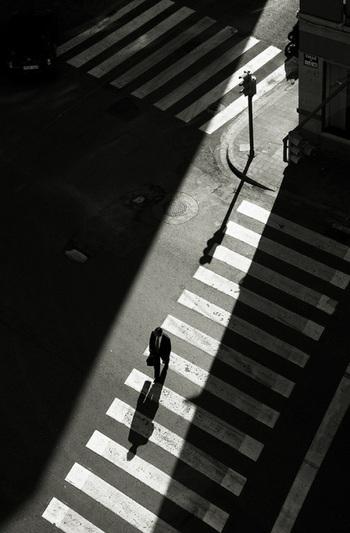 Long days bring longer shadows…. zeroing:  Ricardo Domínguez Alcaraz