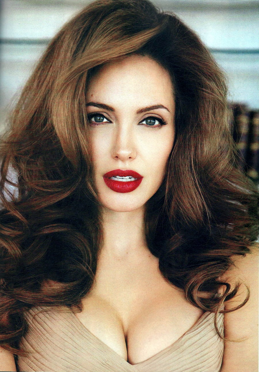 suicideblonde:  Angelina Jolie photographed by Patrick Demarchelier in 2008