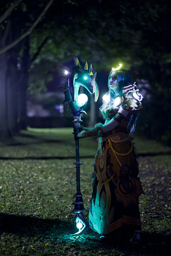 cosplayblog:  Night Elf Druid from World of Warcraft  Cosplayer: GhostshipPhotographer: Andy-K
