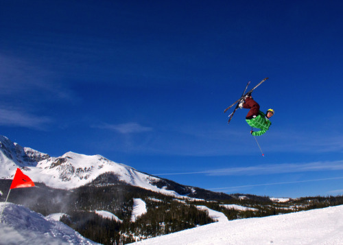 Fun day lapping the jump line at Big Sky yesterday, wish i had a wider lens for this one to get the peak too.