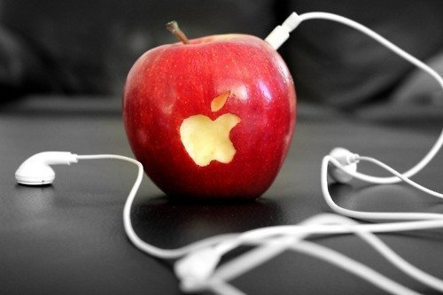 Apple iPod (Source: darkadvertisingparadise)