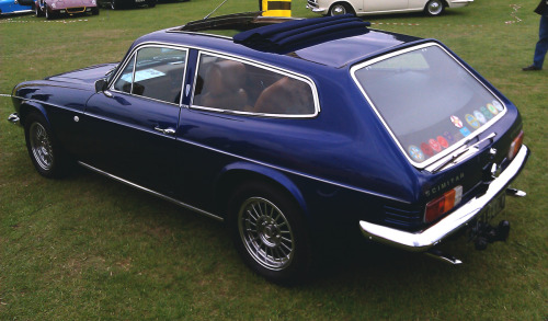 Reliant Scimitar. Crackin' colour.