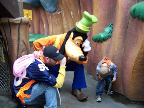 """Goofy was the only one that would Tebow with us at Disney Land!"""