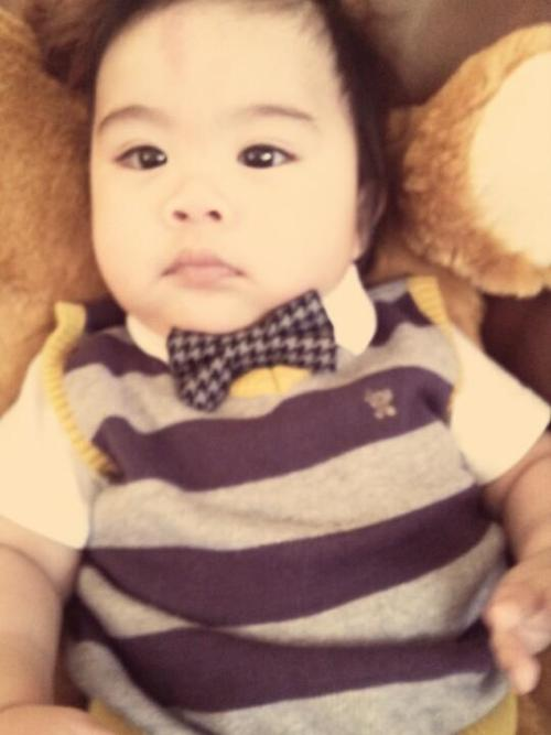 childrenwithswag:  Submission from doodlebunch23@gmail.com  bowtie cute   Me and Zayn's baby lol
