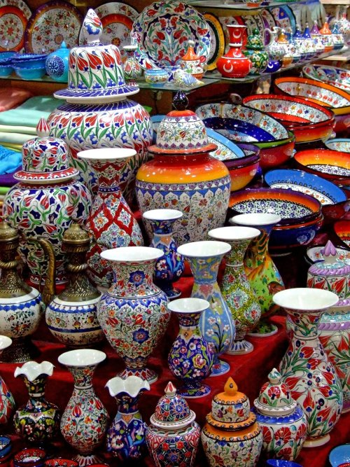 My Bohemian World  Pottery for sale in a Turkish bazaar