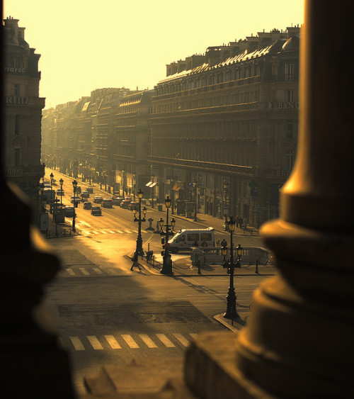 ldnsyndrome:  good morning, paris by Anthony Kuvarzin on Flickr.