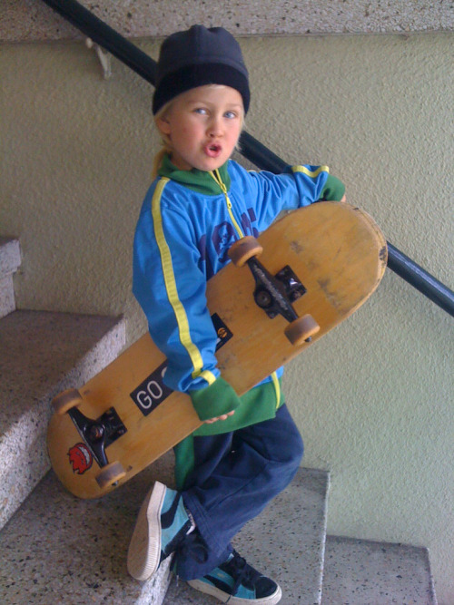 childrenwithswag: This is Tobias. He talks a lot too.