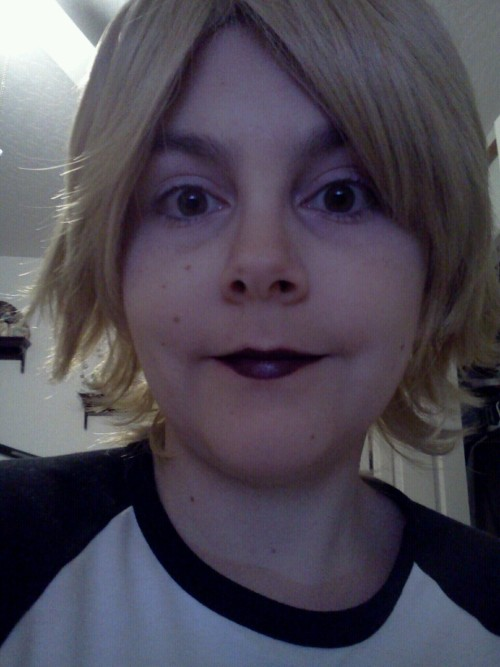((I finally got my roxy wig! I dunno how good i look in this pic…but it'll do for now!))