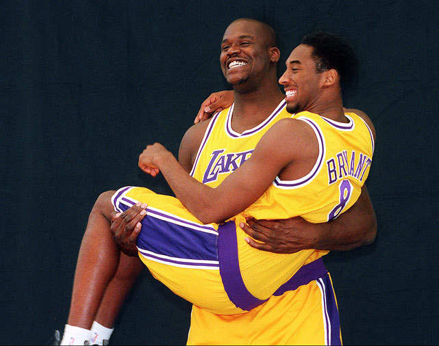 siphotos:  Kobe Bryant made history on Monday, passing former teammate Shaquile O'Neal to become the NBA's fifth all-time leading scorer. Despite the record, the Lakers fell to the 76ers 95-90. Bryant score 28 points to reach a career total of 28,601, moving past O'Neal's 28,596. (AP)  GALLERY: Rare Photos of Kobe Bryant