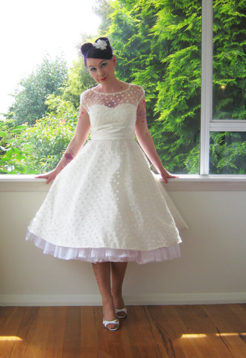 fuckyeahpinupstyle 1950s style wedding dress by Pixie Pocket on Etsy Thanks