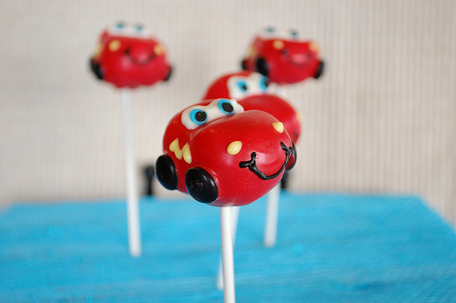 Lightning McQueen Cake Pops (by Treats 4 Ta-tas)