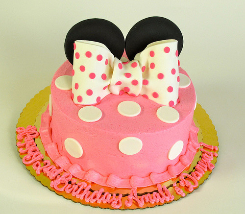 Mouse Ears with Bow (by Creative Cakes - Tinley Park)