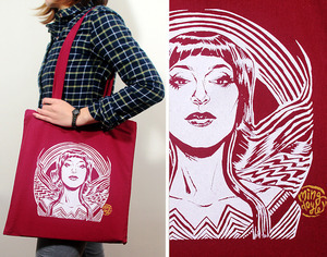 So, I just ordered this nifty tote bag from Ming Doyle. Yep. My next grocery run? I'll be all styin' & stuff.