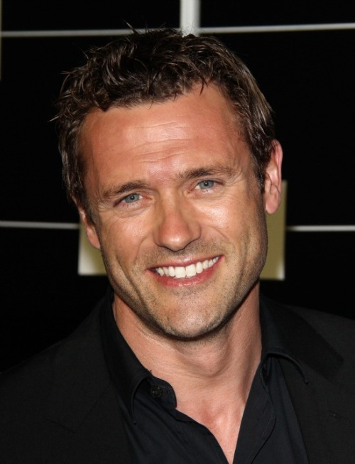 always nice finding a new DILF dilfisland:  Jason O'Mara This Dublin lad can be seen on tv saving the future world by traveling into the past, or as Katherine Heigl's love interest. Can't wait to see more of him! Father to David