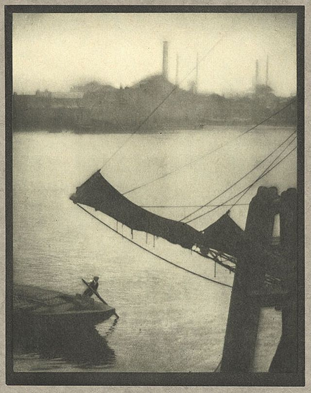 Wapping Coburn, Alvin Langdon, b.1882-1966  [+] London, 				1910 17 x 22.7 cm Photogravure
