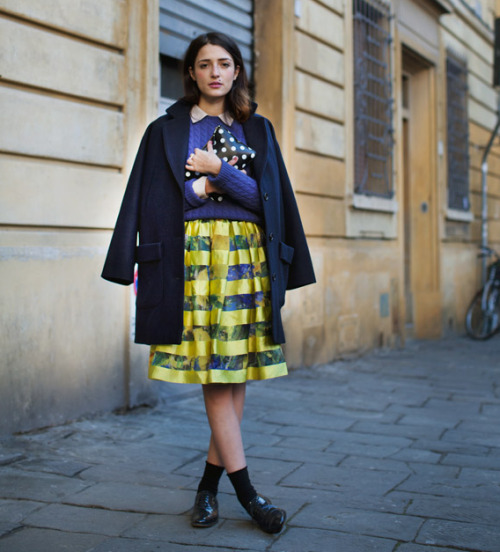 delightful splash of yellow source: the sartorialist