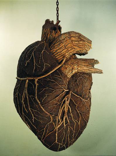 2headedsnake:  kilometerzero.org Dimitri Tsykalov, Heart, 2009, from the 'Wooden Organs' series. Dimitri Tsykalov is a Russian sculptor who has an atelier among the woods in Nogent-sur-Marne outside of Paris.
