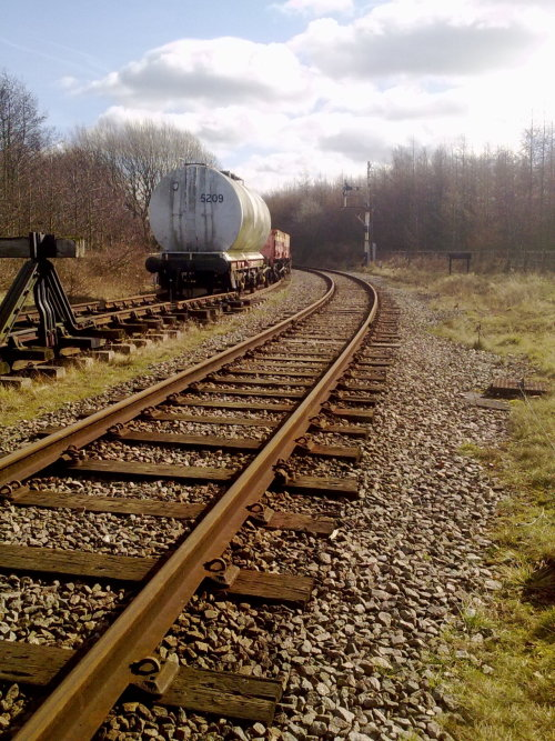 ryanthehawiianlion:  1st February 2012 - Disused railway lines in Ruddington