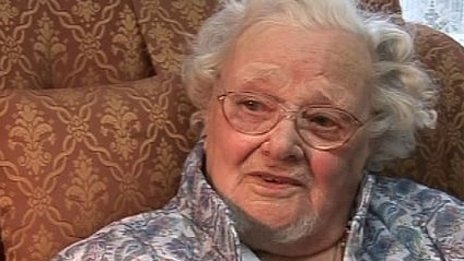 The Very Last World War I Veteran Has Died  A British woman who served with the Royal Air Force for the last two months of World War I was the last known veteran of the war when she died in her sleep Saturday night. Florence Green joined the RAF at the age of 17 and died just before her 111th birthday, which would have been Feb. 19. She had been a mess steward with the air force, the BBC reported, serving in two U.K. air bases after she joined up on Sept. 13 1918. Green follows Claude Choules, who was the last WWI combatant before he died in May 2011, and Frank Buckles, the last American veteran of the war, who died in February 2011. All were 110 years old. [Image: BBC News]