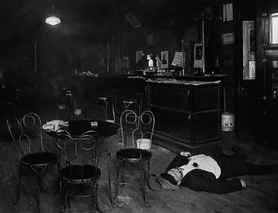 Mob murder in a Chicago speakeasy, c.1921.
