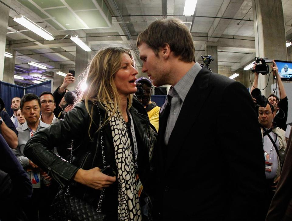 Despite Gisele's comments, Patriots say no finger-pointing - Tom Brady's wife was caught on camera complaining about dropped passes in the Super Bowl, but Patriots players say they will only accept blame as a unit.