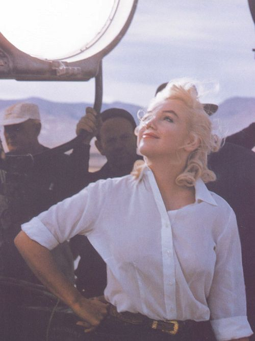 "Marilyn Monroe  ""The Misfits"" set  Photo by Eve Arnold, 1961  Via audreyandmarilyn"