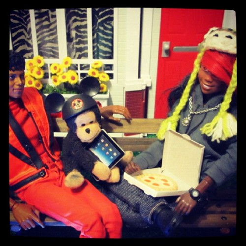 Michael Jackson, Bubbles, & Gadget Trish eating pizza. PS. I even have a G-Shock on. #imagination  (Taken with instagram)