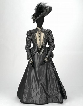 beckyinlondon:  Costume for Lady Bracknell ('The Importance of Being Earnest'), by Bob Crowley, The Aldwych Theatre, London, 1993. Museum no. S.108-1993