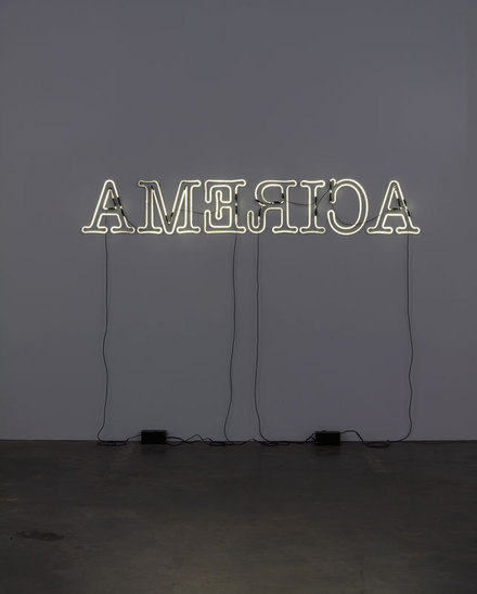 Glenn Ligon, Rückenfigur, 2009, at the Whitney