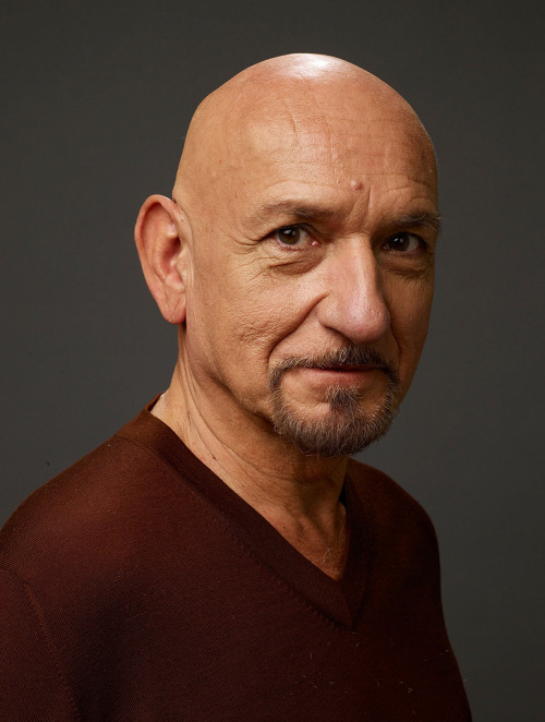 Ben Kingsley won Best Actor award in 1982 for his role as Mohandas Karamchand Ghandi in the film Ghandi.