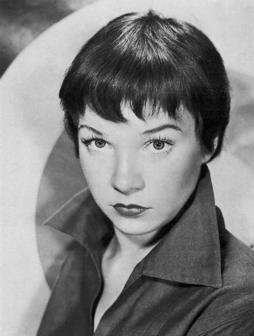 Shirley MacLaine won Best Actress award in 1983 for her role as Aurora Greenway in the film Terms of Endearment.