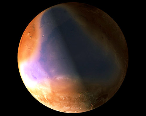 A European spacecraft orbiting Mars has found more revealing evidence that an ocean may have covered parts of the Red Planet billions of years ago.