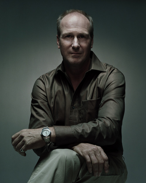 William Hurt won Best Actor in 1985 for his role as Luis Molina in the film The Kiss of the Spider Woman.