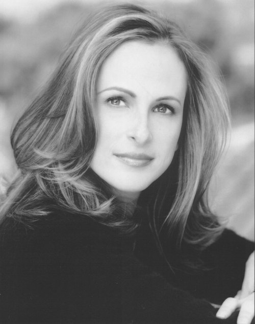Marlee Matlin won Best Actress award in 1986 for her role as Sarah Norman in the film Children of a Lesser God.