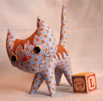 free pattern: pointy kitty pattern via WeeWonderfuls